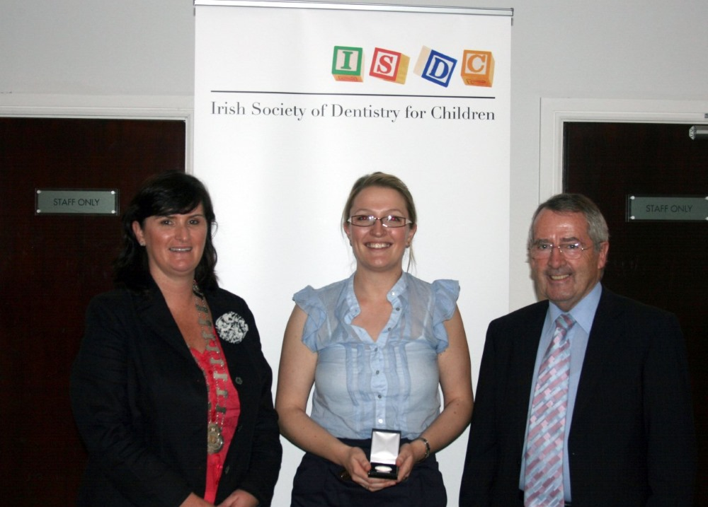 Winner of O'Mullane prize Dr Kate Counihan with Dr Evelyn Connolly & Professor O'Mullane