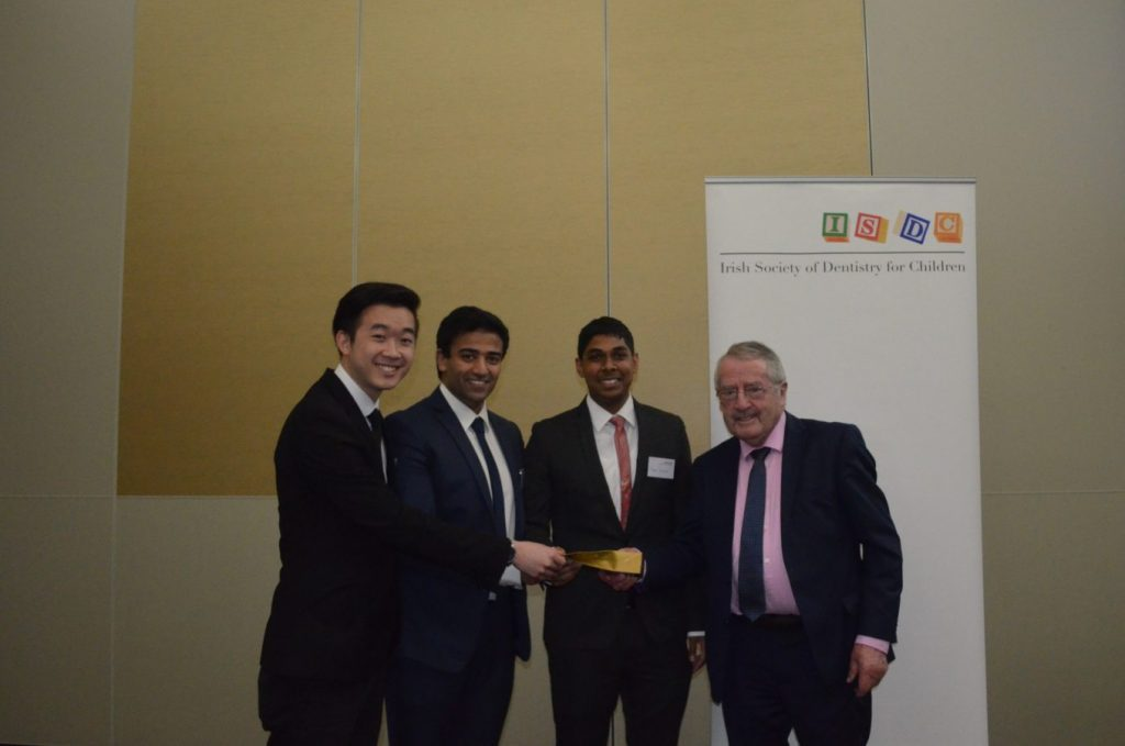 Prize winners of O'Mullane Prize 2018: Jia-Liang Eow , Usman Hussain, Adeen Solaiman, with Professor O'Mullane